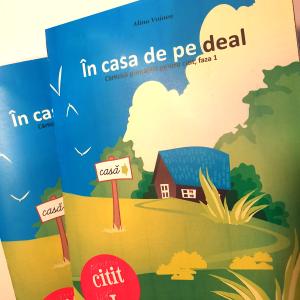 În casa de pe deal - Alina Voinea - cărticică printabilă gratuită pentru învățarea cititului